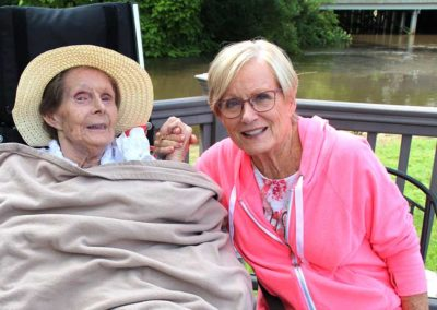 Ways to Volunteer at Sunset Senior Communities