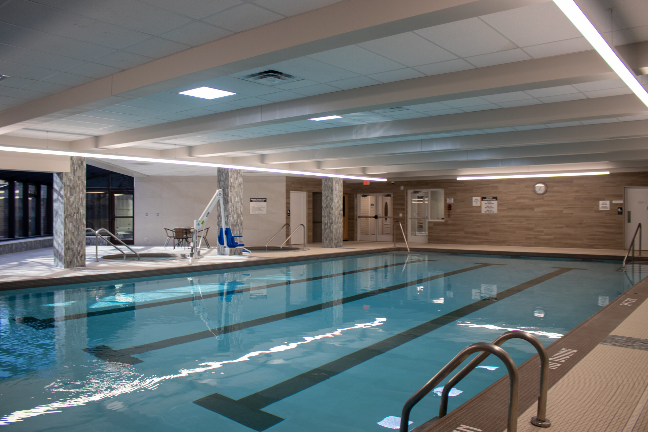Manor & Villages Pool 6