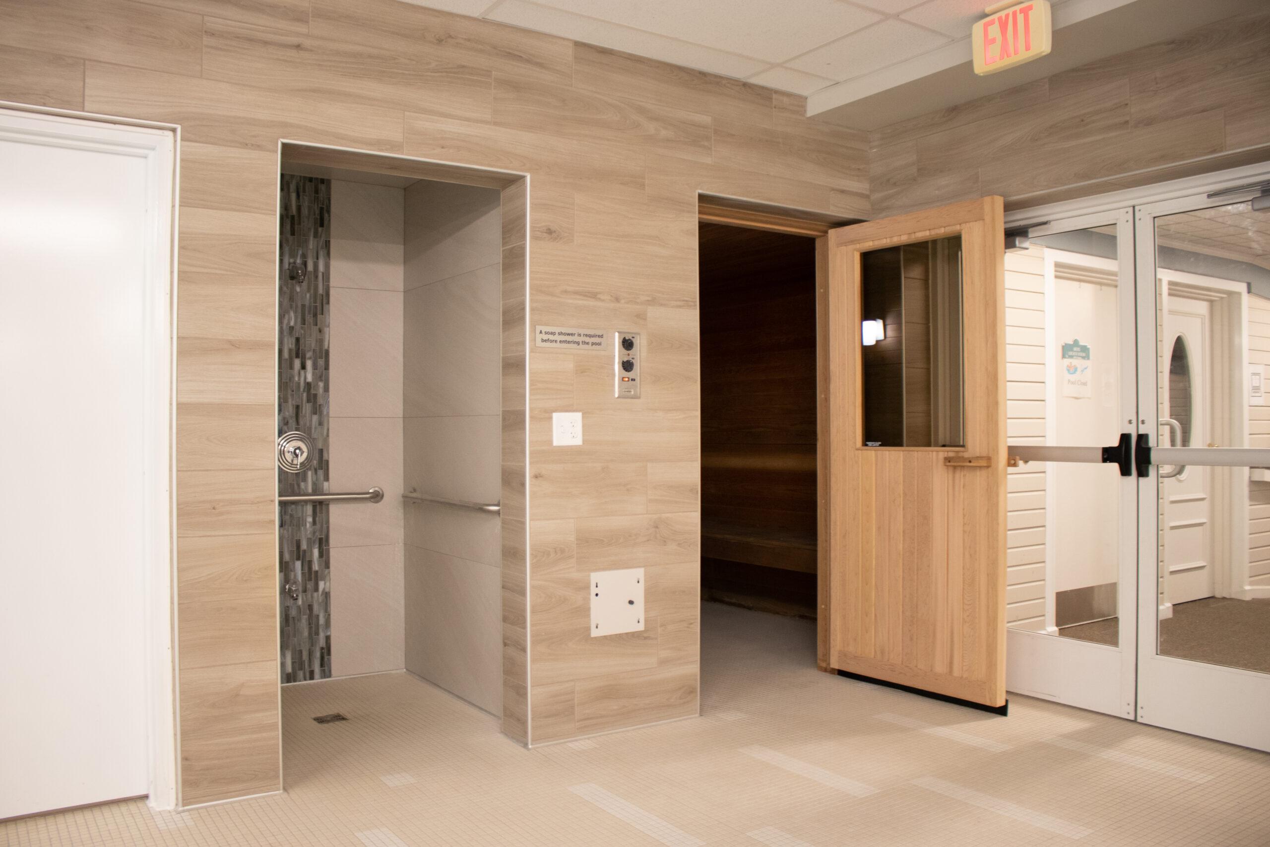Manor & Villages Pool Area - Shower & Sauna Entrance